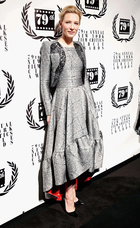 5.Cate Blanchett ia uimit pe criticii de moda si in 2014, intr-o Tinuta de Antonio Berardi