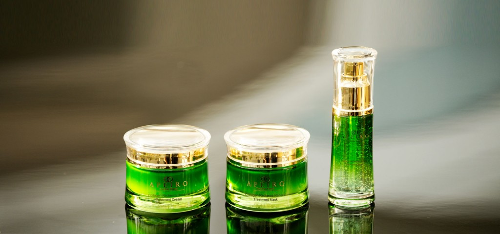 collagen-radiance-renewal-treatment-set-zoom-out